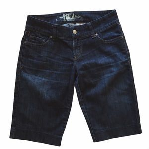 !it Dark Wash Low-Rise Denim Bermuda Shorts 26